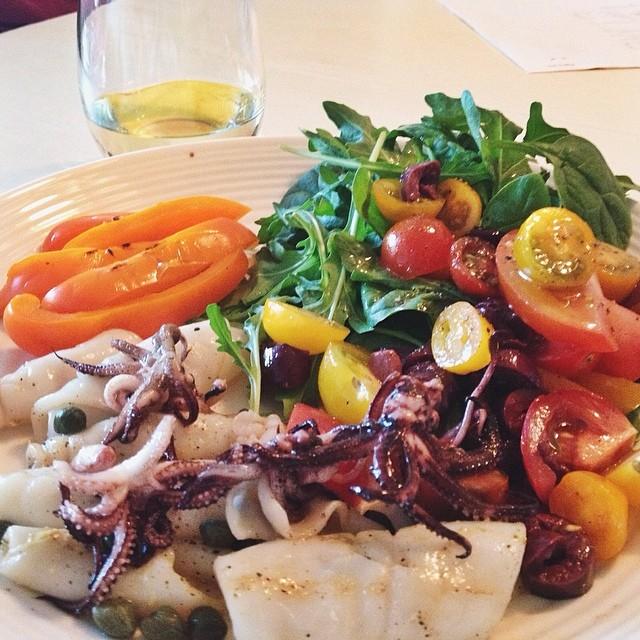 Grilled calamari salad   food416
